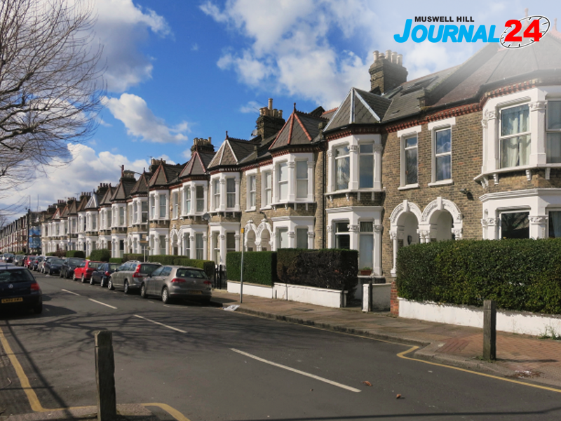 The Sights and Sounds of the London Suburb - The Muswell Hill Experience: The Sights and Sounds of the London Suburb